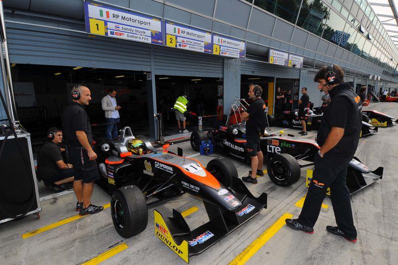 euroformula monza stuvik rp motorsports garnet 8 Garnet also wins on the track: RP Motorsport is champion